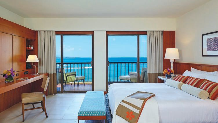 Top-floor suites include expansive oceanfront balconies, ensuring your five-star view is never far from sight. PHOTO COURTESY OF MAUNA KEA BEACH HOTEL